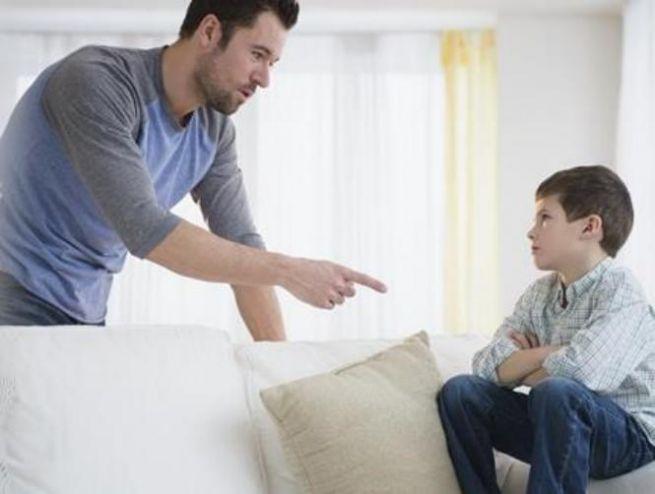 كيف تتعامل مع الطفل العنيد