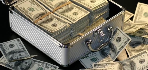 لماذا تقل قيمة المال بمرور الزمن?